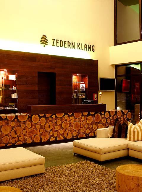 Hotel-Empfang-480x650-Zedern-Klang